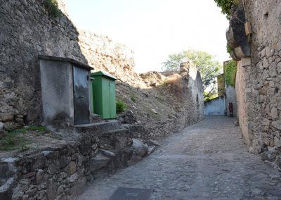Ruinas en el área del concurso